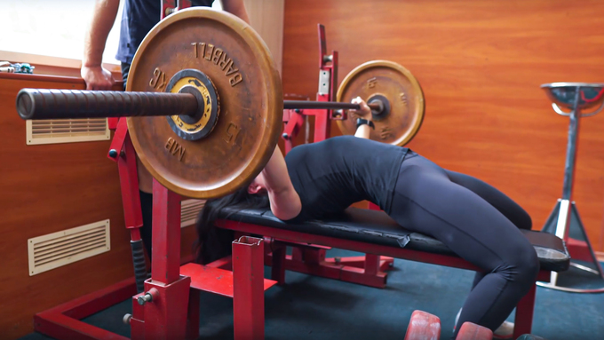 arching in the bench press